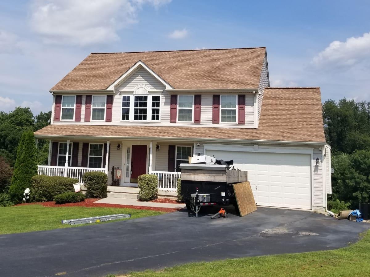 Roofer Dude Harrisburg Harrisburg Pa Installs Asphalt Roofs