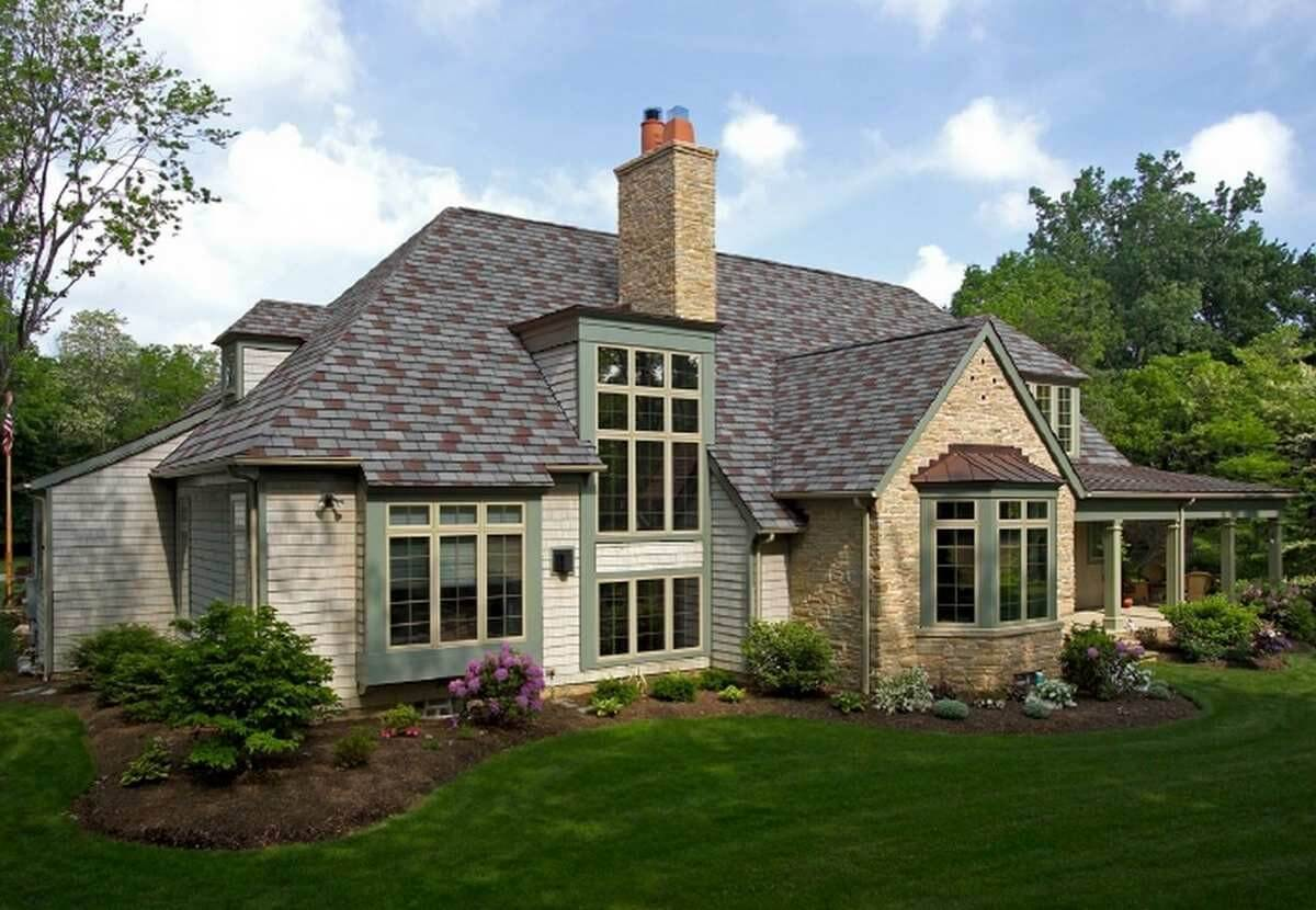 Multi-tone Asphalt Shingles Roof
