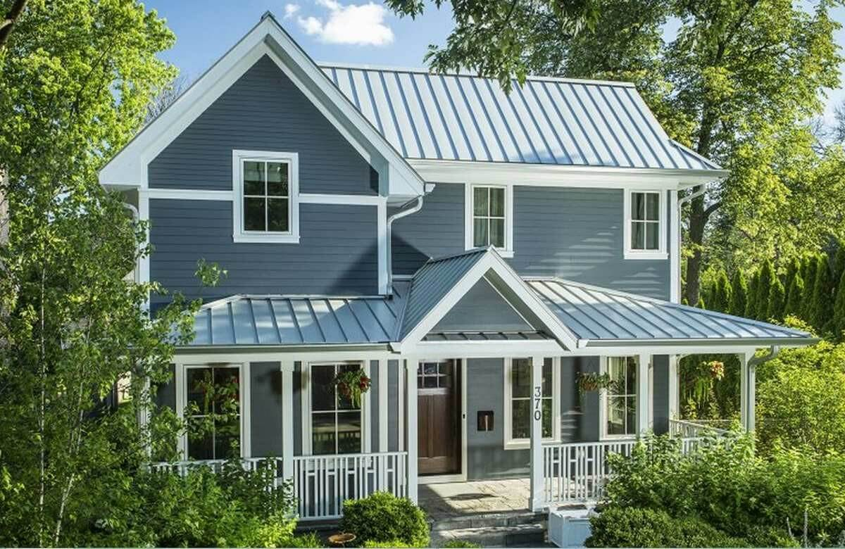 Standing Seam Metal Roof on a Colonial Style Home