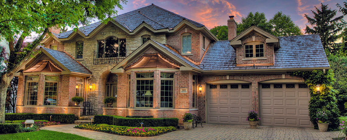 Cedar shingles vs shakes which roof should you install for Stone and cedar homes