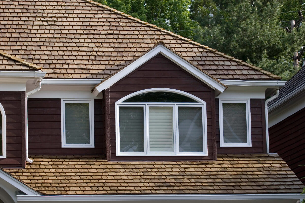 Cedar Shake Roof On A Traditional Home Roofcalc Org