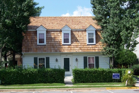 Cedar Shakes Roof on Cape Style Home