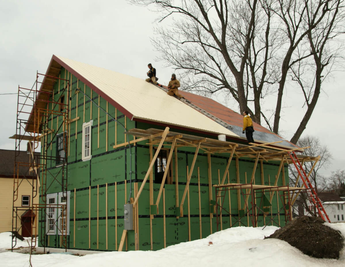 Installing a new roof in the winter