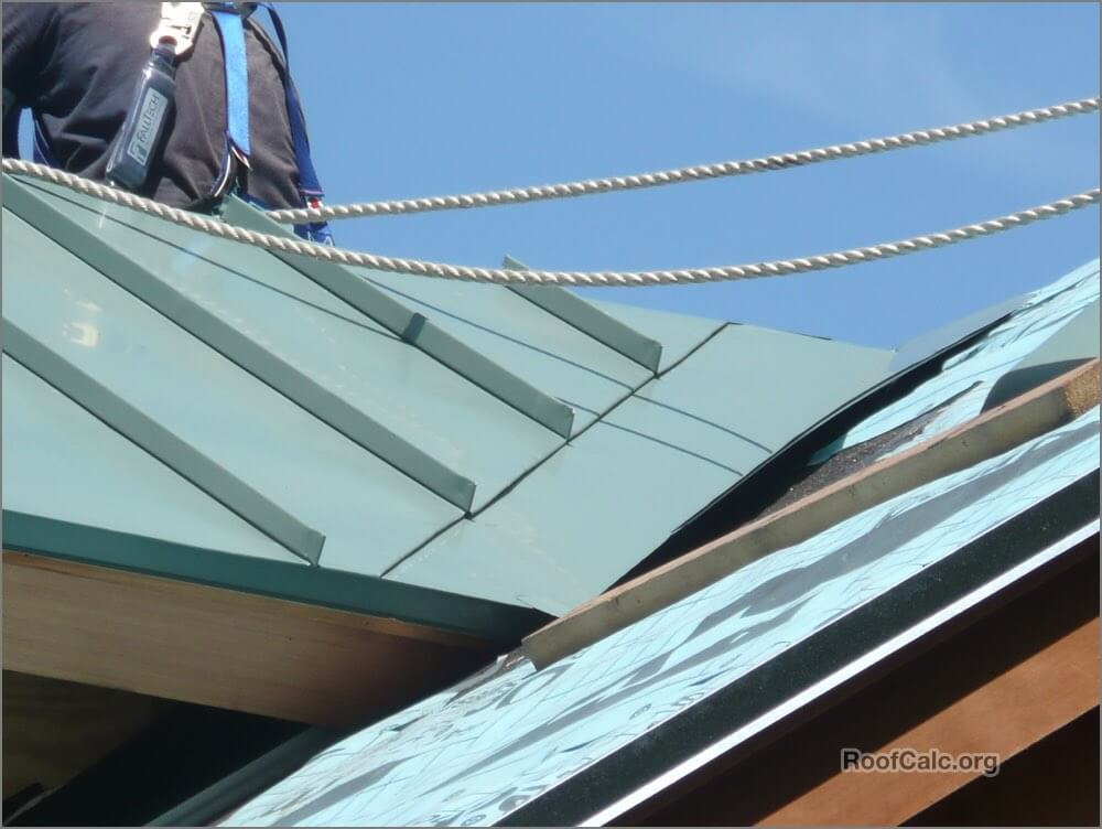 Standing seam valley pan