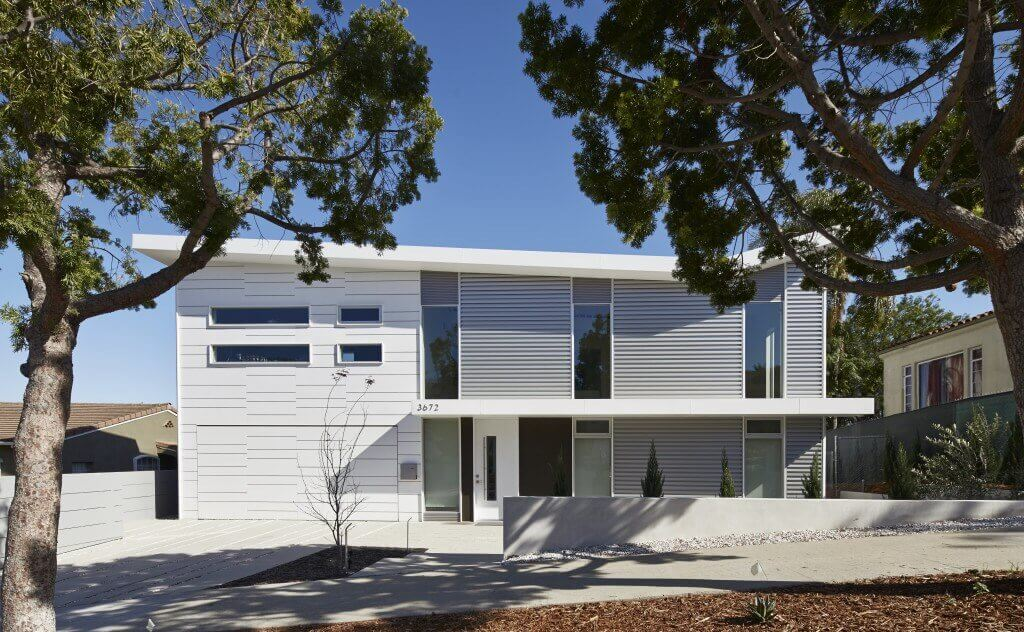 White TPO Roof on a Contemporary Ranch Style Home